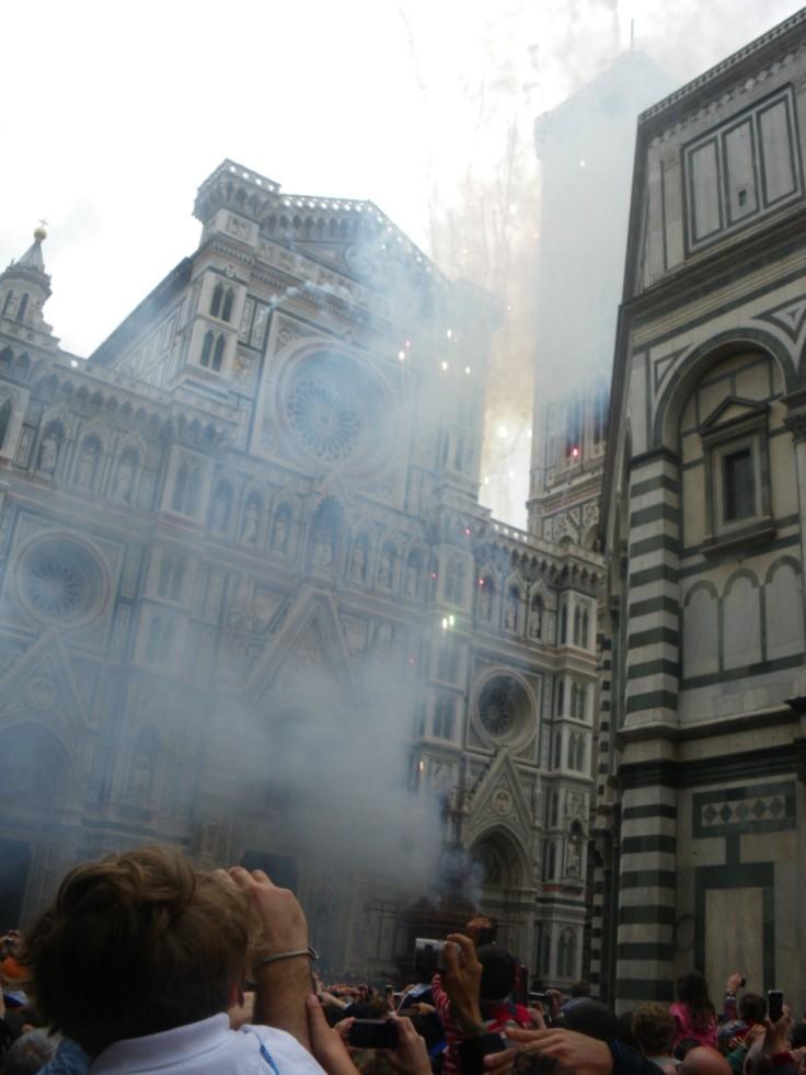 scoppio del carro Firenze : l'explosion du charriot à Florence